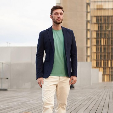 Knitted jacket in navy blue